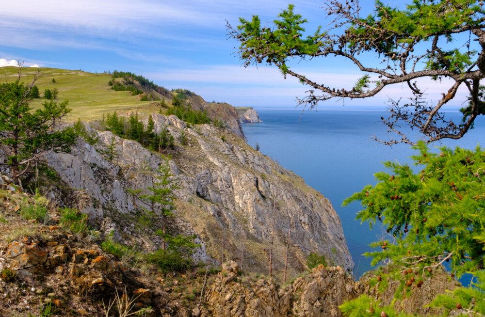 """""""Мы в капкане, мы в резервации"""": Жители острова Ольхон на Байкале оказались внутри национального парка. Их жизнь парализована"""