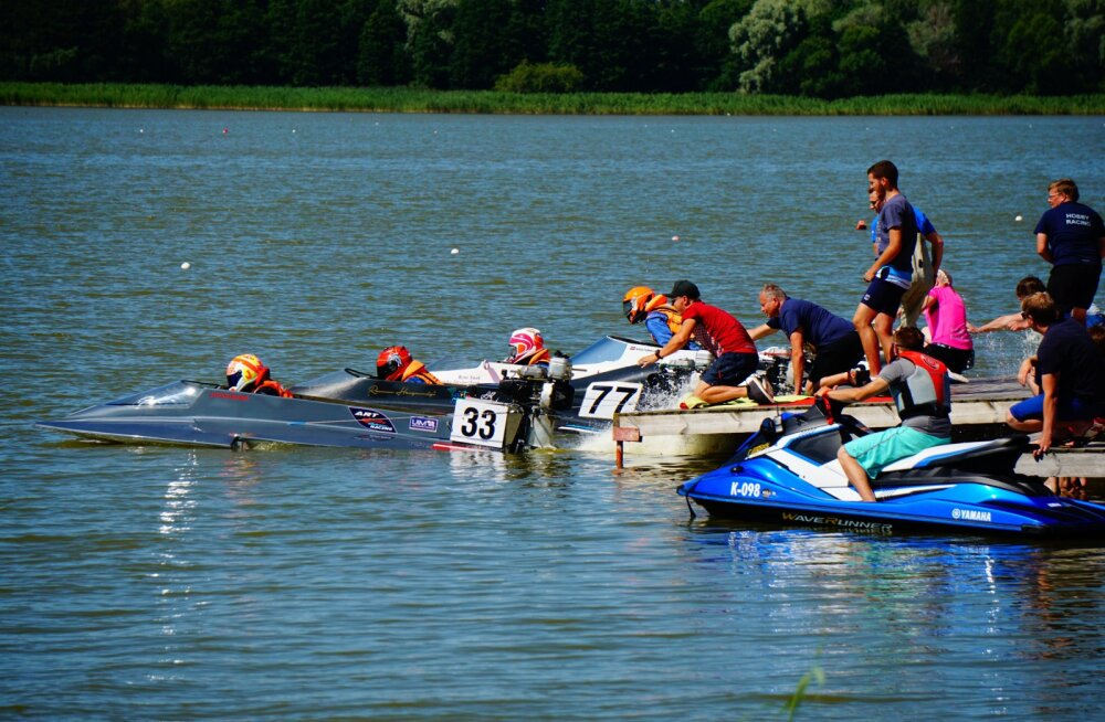 Harku järvel selgitati Eesti meistrid ringrajapaatide võidusõidus