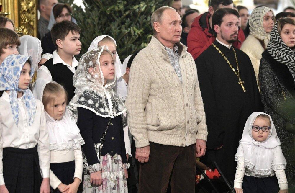 President Vladimir Putin jõulujumalateenistusel.