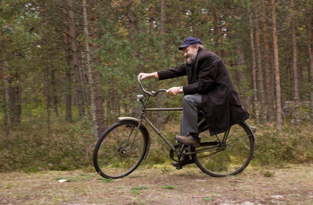 Rattasõit ja sellega seotud liikumine on Arvo Pärti veedelnud kogu elu.
