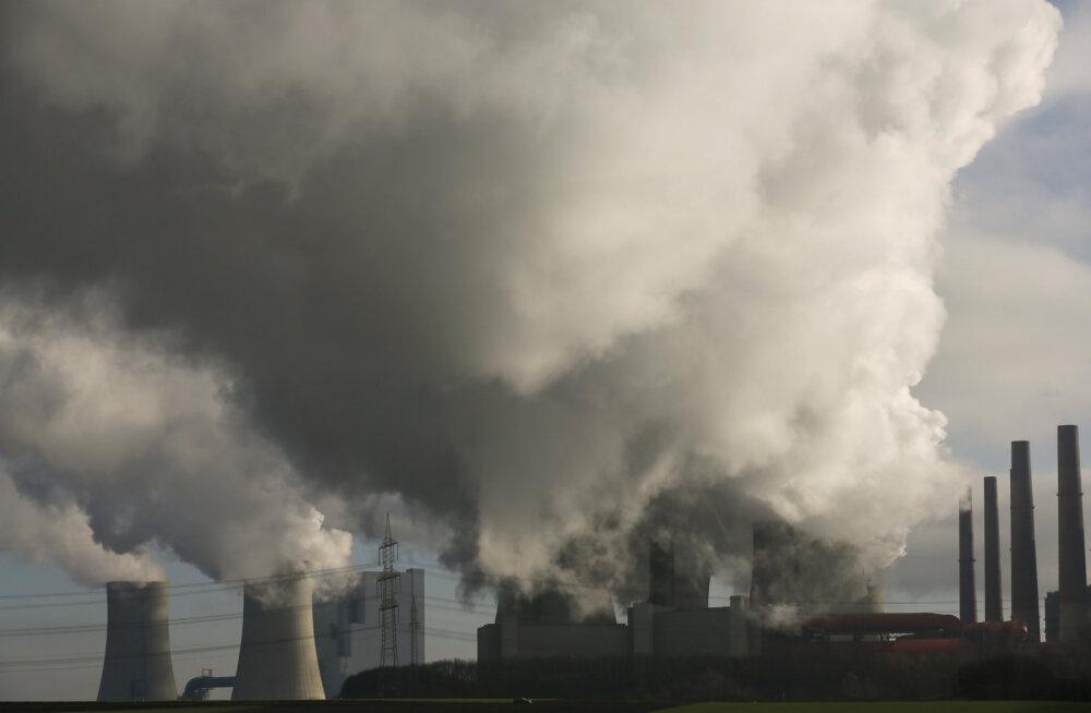 Saast kütuseks: keemikud leidsid poolkogemata viisi, kuidas süsihappegaas piirituseks muuta