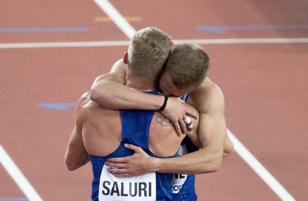 Karl Robert Saluri õnnitleb Janek Õiglast Londoni MM-i neljanda koha puhul.