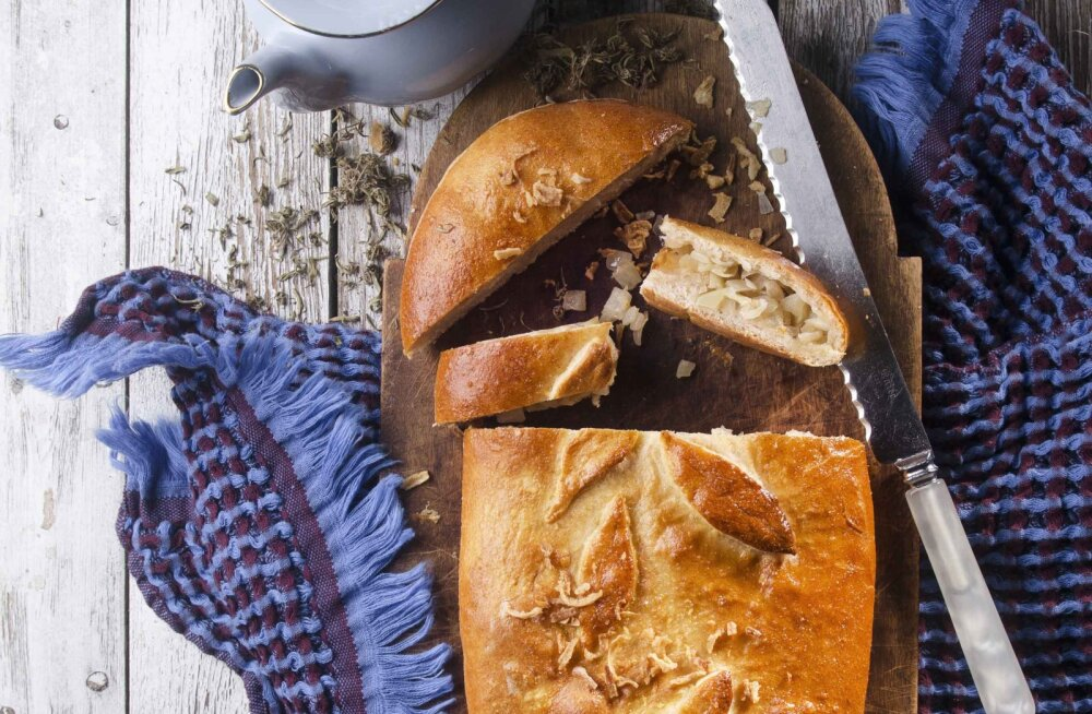 RETSEPT | Paku külalistele või naudi ise: Lia Virkuse Peipsi sibulapirukas!
