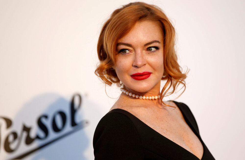 Kirjastus kaebas Lindsay Lohani kohtusse, nõudes tagasi ettemaksuna tasutud summat