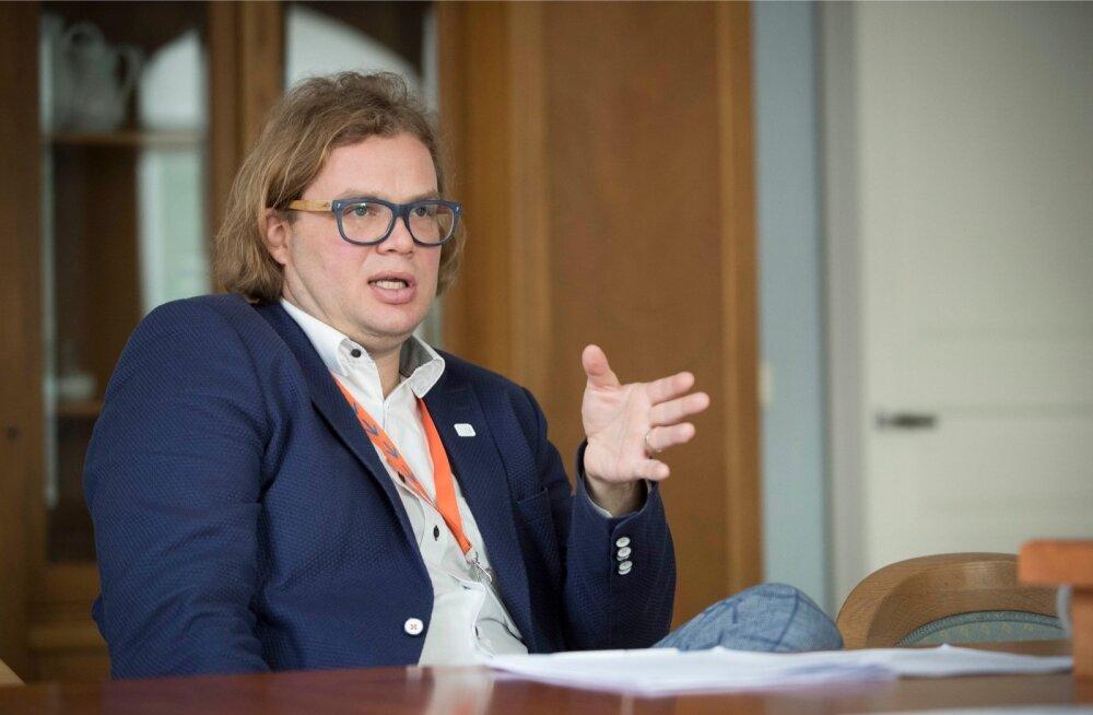 Riigikantselei Euroopa Liidu asjade direktori Klen Jääratsi sõnul on Eesti eelarveprioriteedid juba praegu väga mahukad ja tõenäoliselt peab riik hakkama järgmise aasta jooksul milleski järeleandmisi tegema.