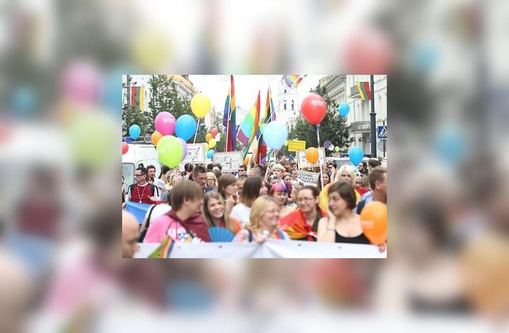 VIDEO: Baltic Pride 2013 läks käest: Leedu geiparaadil arreteeriti 28 inimest