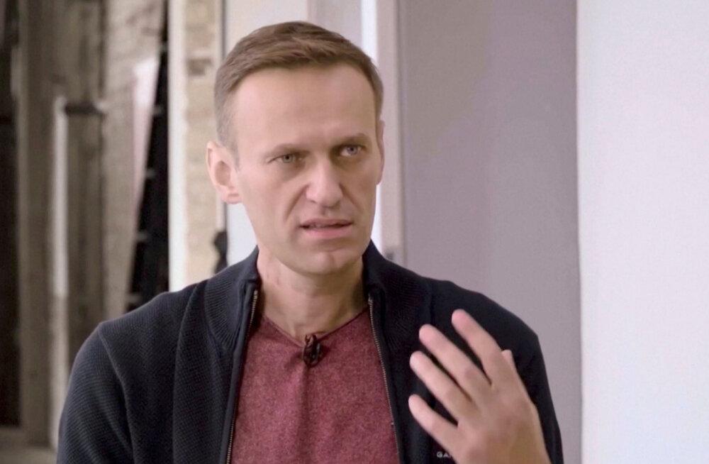 """""""100% ложь"""". Навальный — о словах Путина, что тот помог отправить его за границу"""