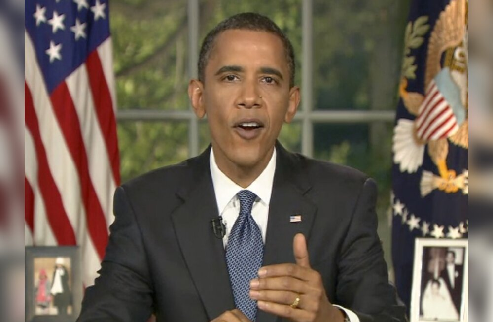 "U.S. President Barack Obama addresses the nation from the Oval Office at the White House in Washington in this television frame grab June 15, 2010. Obama vowed on Tuesday to compel BP Plc to pay damages for its ""recklessness"" in the Gulf of Mexico oil spi"
