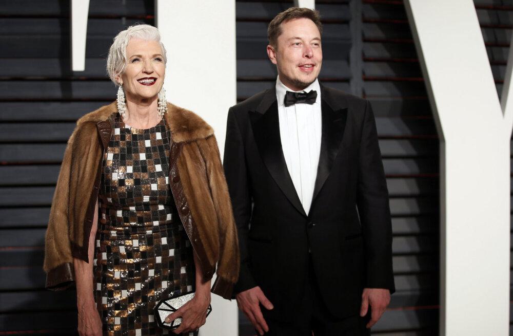 """""""Он спасает планету!"""" Интервью матери Илона Маска — о детстве миллиардера, запуске Crew Dragon и счастье в 70 лет"""