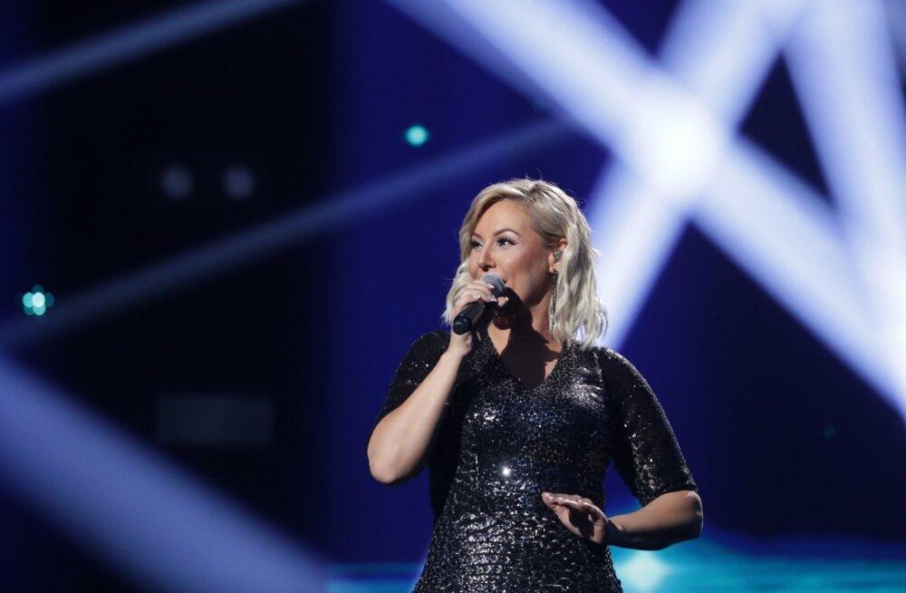 FOTOD | Vapustavalt kena! Sünne Valtri näitab Eesti Laulu laval saledamat vormi
