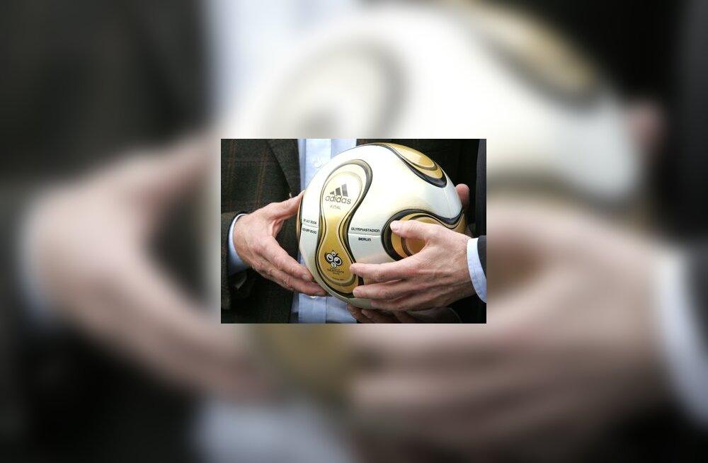 Jalgpalli MM-i ametlik pall