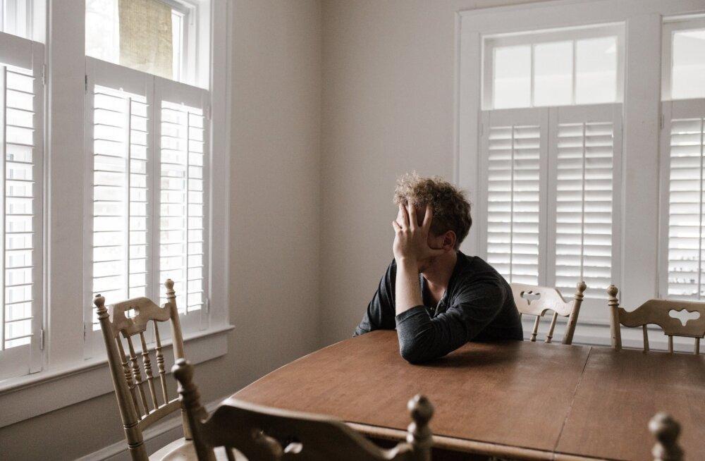 """10 """"тихих"""" симптомов депрессии, которую пора лечить"""