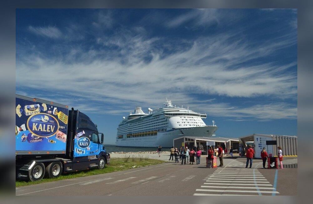 FOTOD: Tallinna külastas siin käinutest suurim kruiisilaev