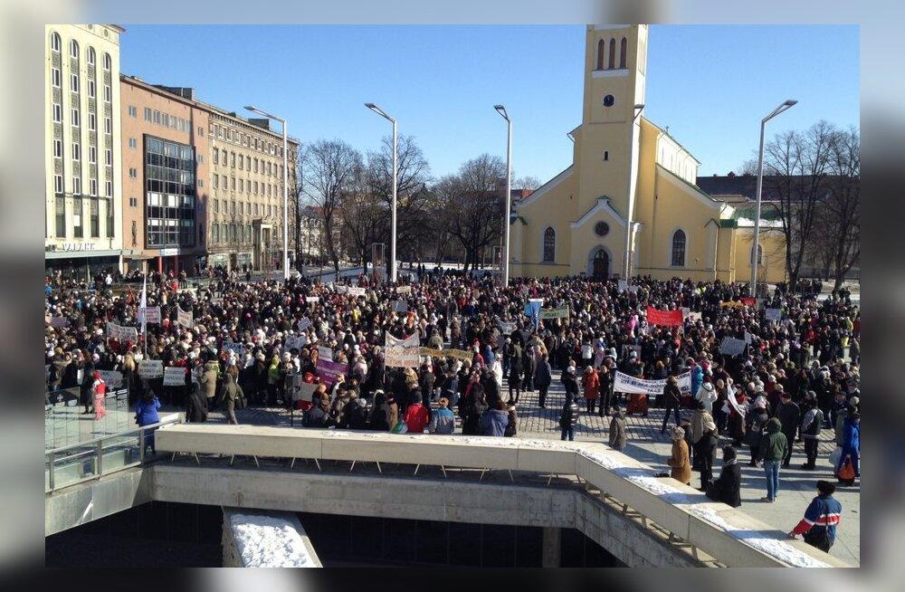 Streikijad kogunemas Vabaduse väljakul