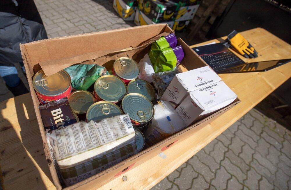 Toidupanga toidupakkide jagamine 27.04.2020