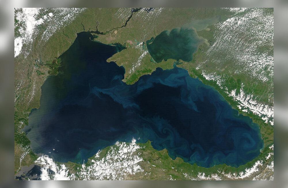 Millest said nime Must, Valge, Kollane ja Punane meri?