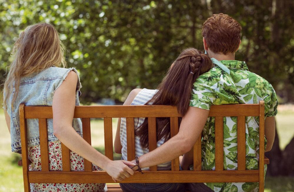 5 märki, mis viitavad sellele, et su kallim kavatseb sind petta su parima sõbrannaga