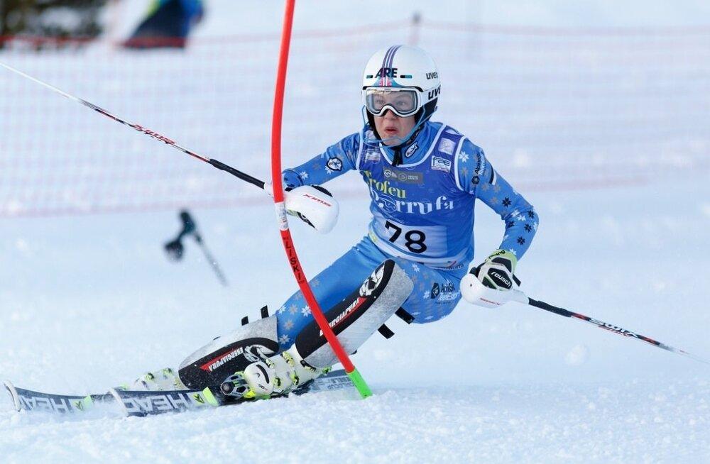 Mõne riigi, eeskätt Austria ja Šveitsi noorte olümpiapäevadestloobuminepeaks parandama Tormis Laine sportlikke võimalusi.