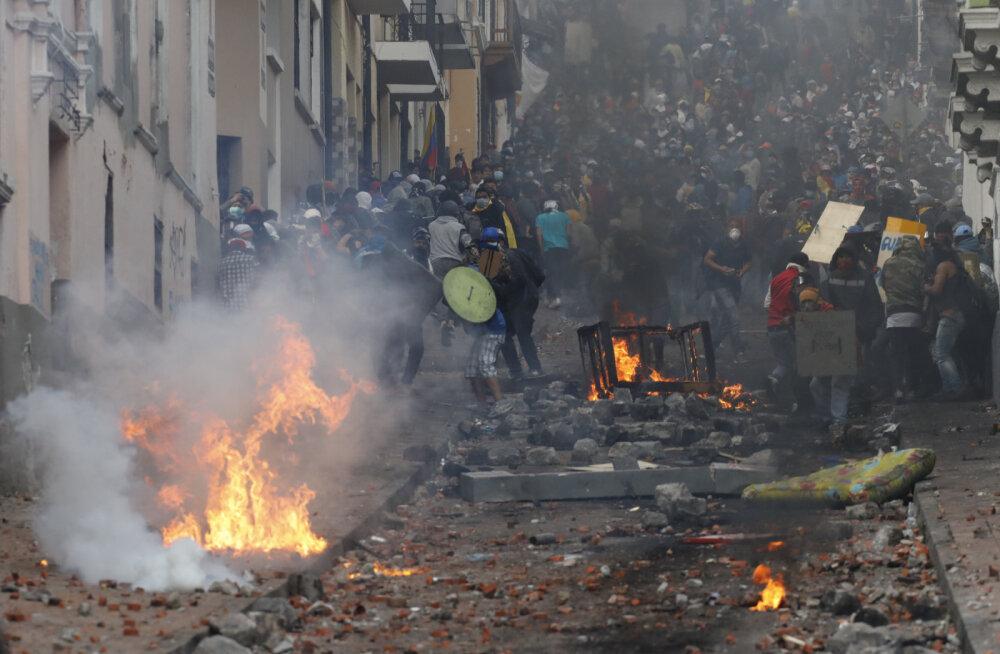В Эквадоре в ходе протестов пострадали более 400 человек