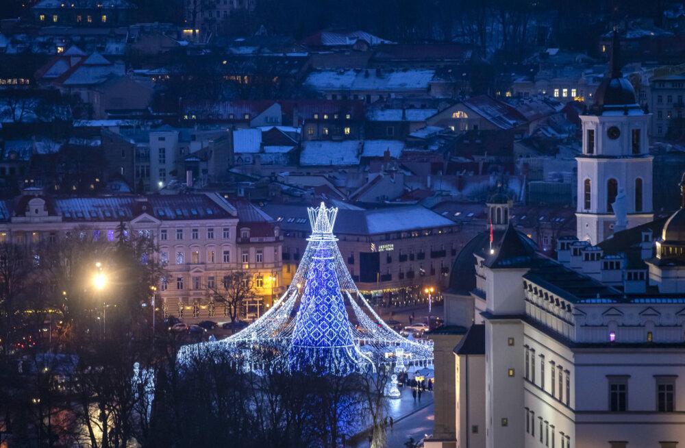 """""""Самая красивая"""": рождественская елка Вильнюса признана лучшей в Европе"""