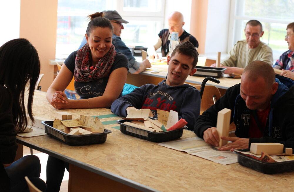 Много ли получают ида-вирумааские производители деревянных игрушек?