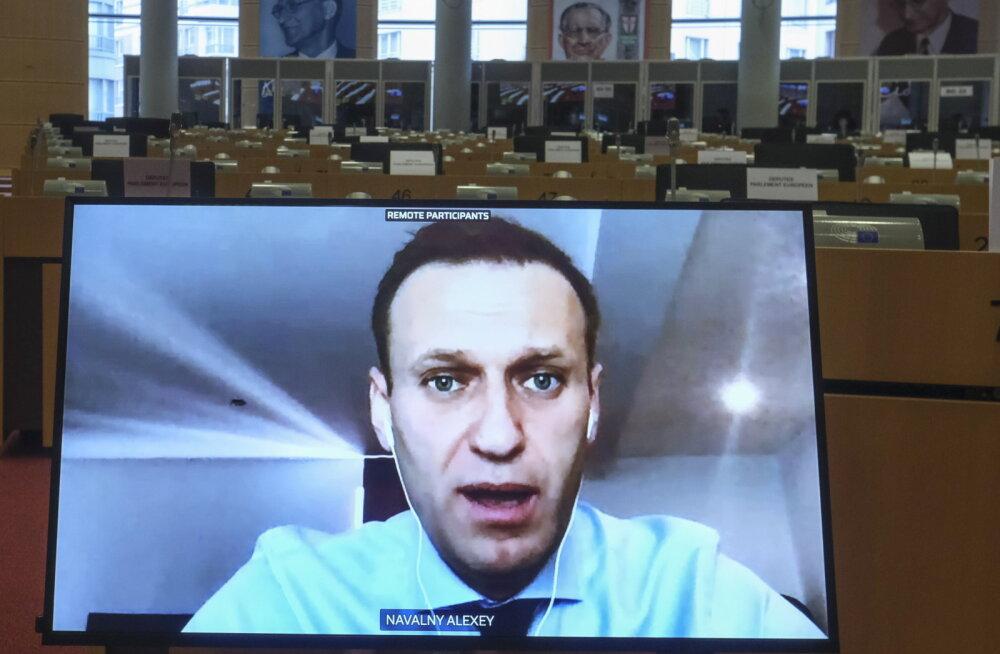 Навальный призвал ЕC ввести санкции против российских олигархов, в том числе Усманова и Абрамовича