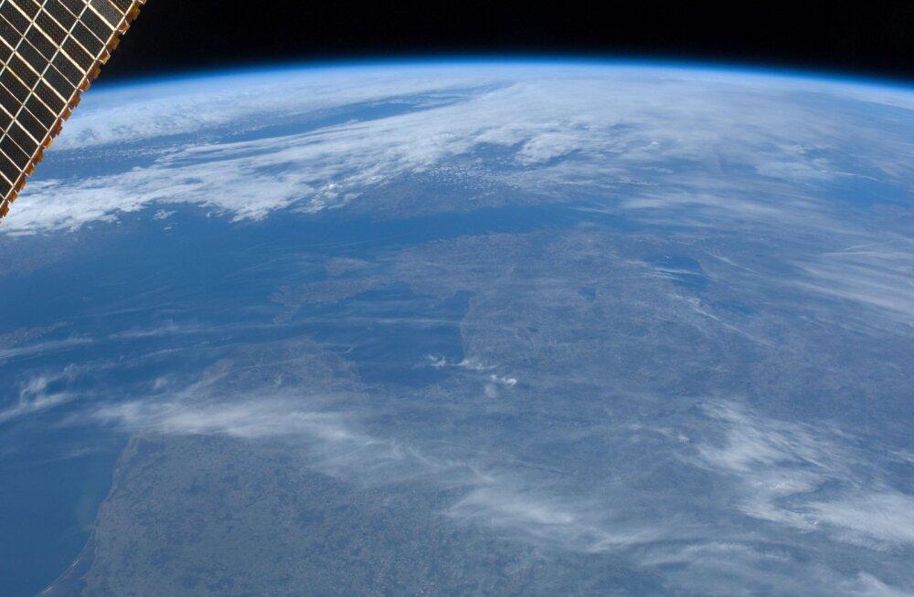 Rahvusvahelisest kosmosejaamast (ISS) aastatel 1983-2001 Eestist tehtud pildid