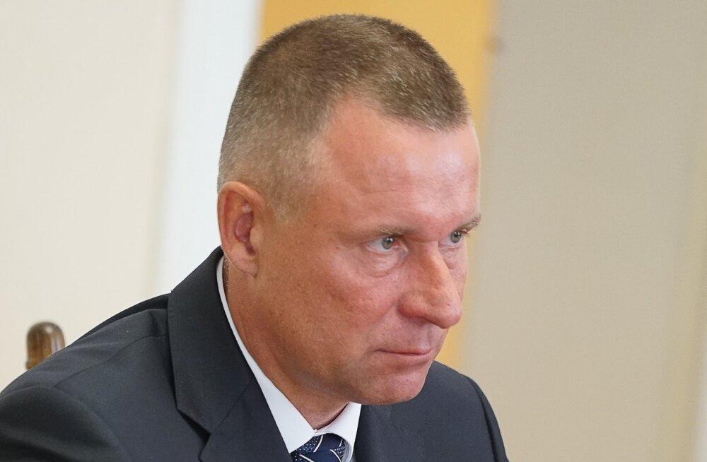 Putini endine ihukaitsja astus kaks kuud pärast Kaliningradi kuberneri kohale saamist tagasi