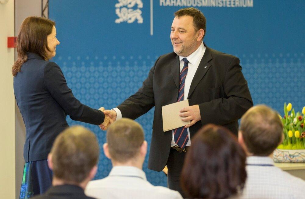 Reedel tähistati riigikassa 20. sünnipäeva. Rahandusminister Sven Sesteril jätkus riigikassa juhi Katrin Rasmanni õnnitlemise kõrval mahti ka riigi võlakirjade teemat puudutada.