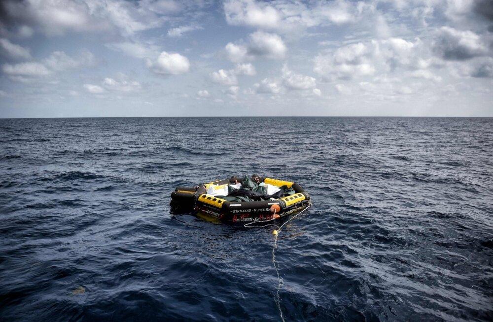Inimõiguslased: Liibüa rannavalve ründas migrantide alust, tappes mitu inimest