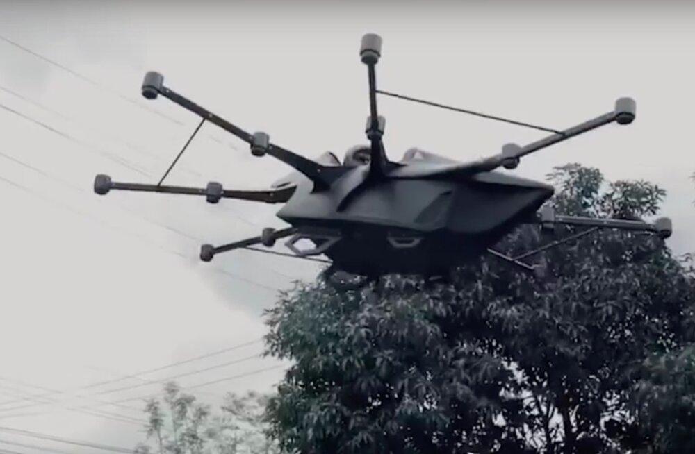 VIDEO   Geniaalne viis liiklusummikute vältimiseks! Mees leiutas lendava droon-sõiduki