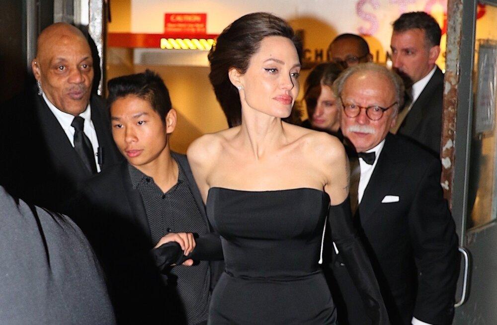 FOTOD | Traagilisest aastast taastuv Angelina Jolie nägi lausa vastupandamatu välja