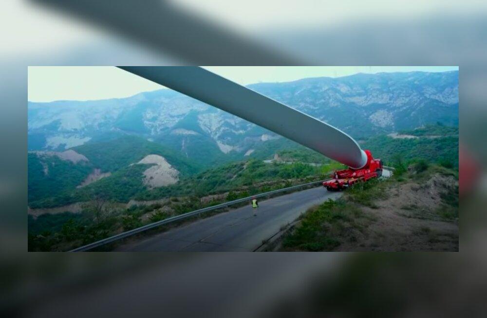 ФОТО | Транспортная компания показала, как перевозить 67-метровую деталь по улицам и дорогам Люксембурга
