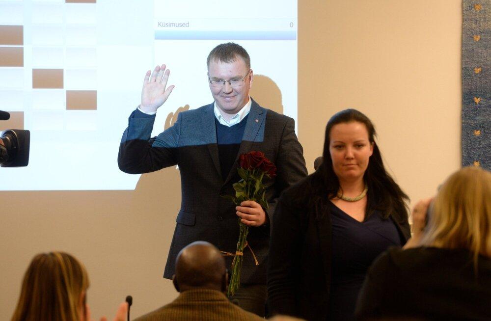 DELFI FOTOD: Tallinna linnavolikogu võttis linna rahaasju uurinud Hanno Matto ametist maha