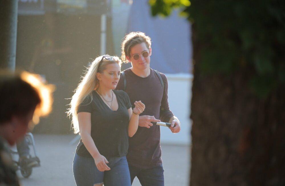 PAPARATSO   Rasmus Rändvee väisas menurokkarite kontserti pahuravõitu tüdruksõbraga