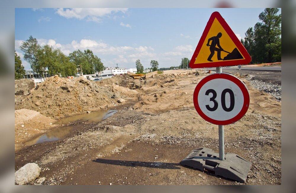 Teetööd sulgevad sõiduradasid Tallinnas ja seavad piiranguid üle Eesti.