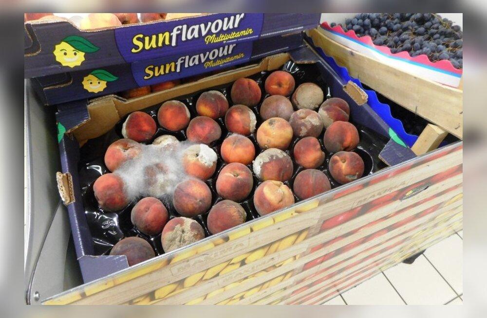ФОТО: Maxima дала удивительное объяснение тому, почему в магазине продаются заплесневелые персики