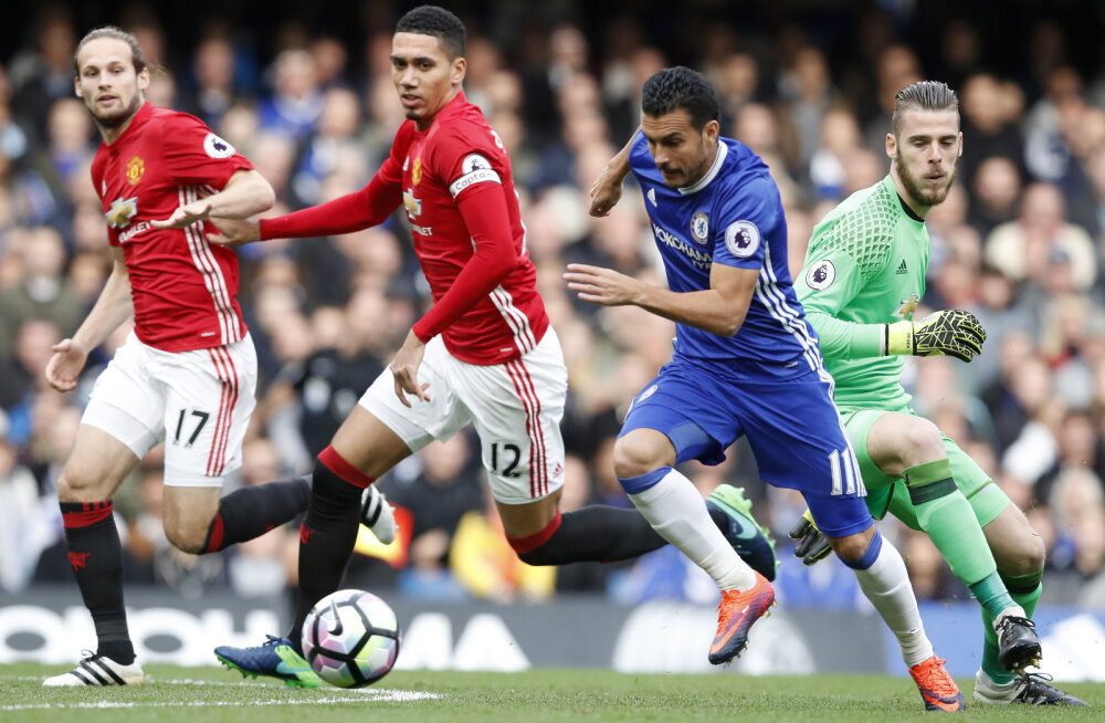 Daley Blind ja Chris Smalling võitluses Pedroga