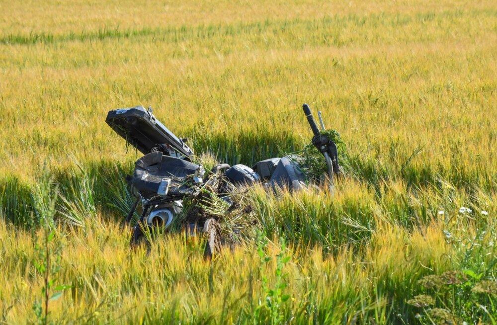 Viljandimaal hukkus mootorrattur