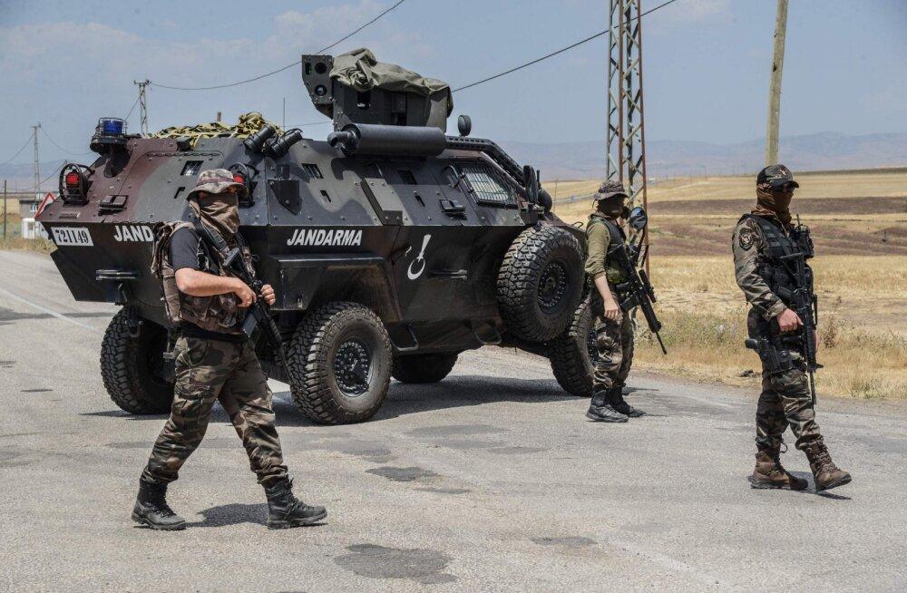 Väljaanne: Türgi riigipöörajaid vihastas Erdoğani katse kurdidega rahu sõlmida