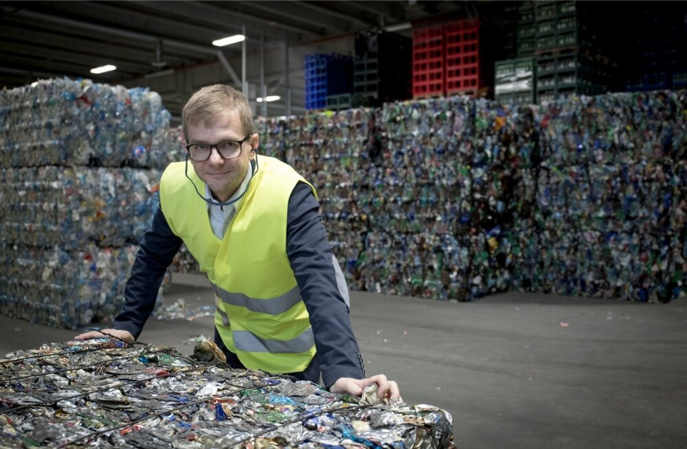 Eesti Pandipakendi tegevjuht Kaupo Karba näeb piirikaubanduse mõjusid eriti ilmekalt. Kaheksa kuuga on tagatisrahaga pakendite müük langenud 12%.
