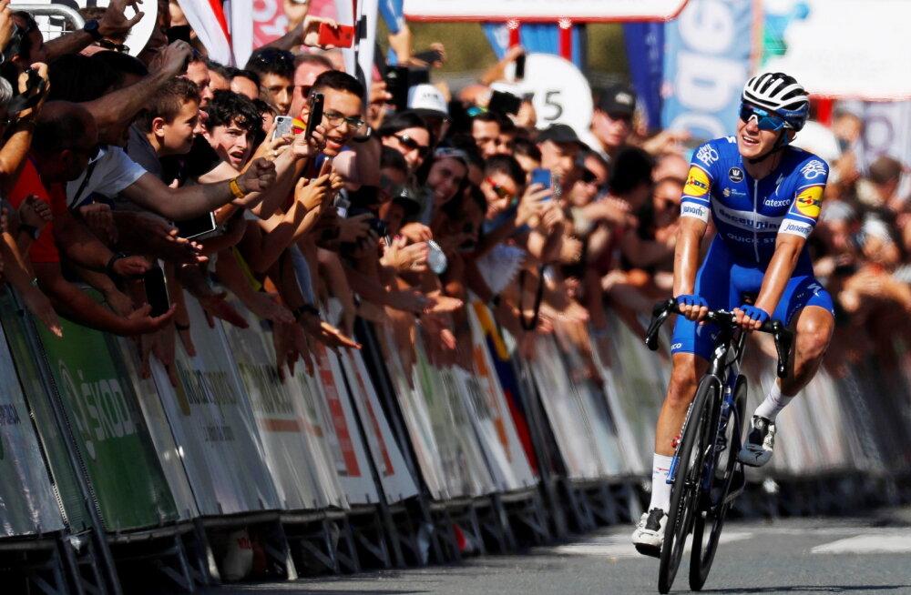 VIDEO | 19-aastane belglane tegi San Sebastiani klassikul ajalugu, Tour de France'i võitja katkestas
