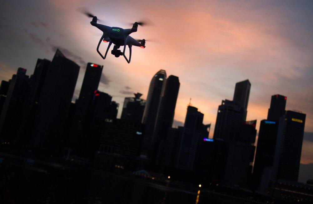 BMW tahab tulevikus su autot drooni abil pesta