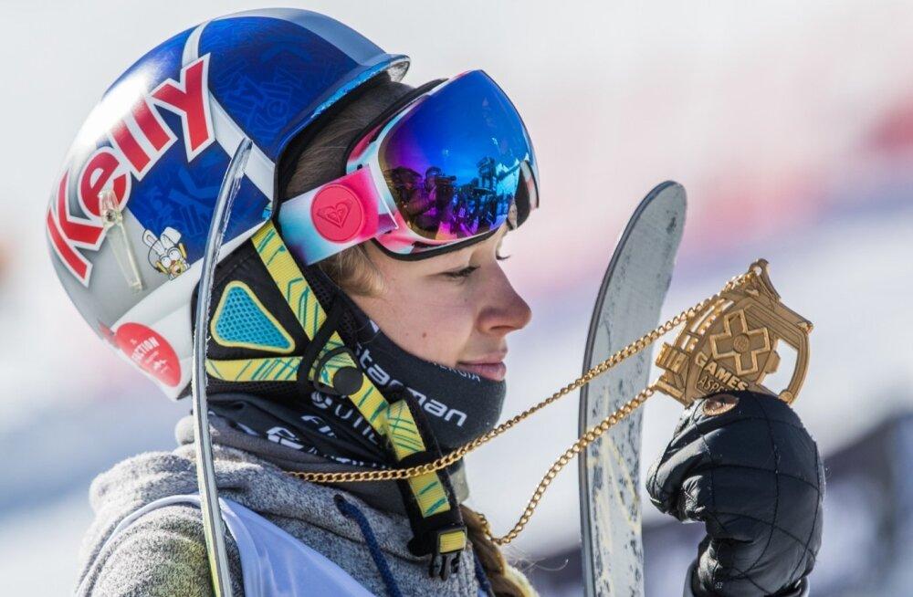 Kelly Sildaru sai eestlaste hõigete saatel kaela kuldmedali.