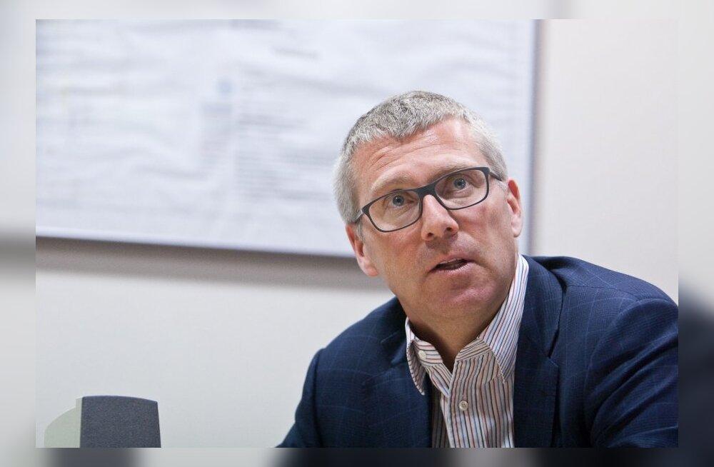 Eesti suurima transiidiettevõtte Vopak E.O.S.  juht Arnout Lugtmeijer imestab, miks Eesti oma teminalid kasutamata jätab, nii et naabrid meist transiidiäris suure hooga mööda rühivad.
