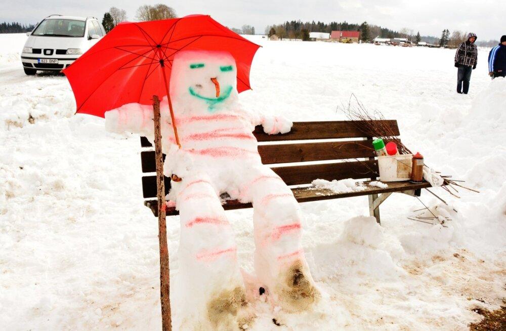 4 способа слепить с ребенком снежную бабу
