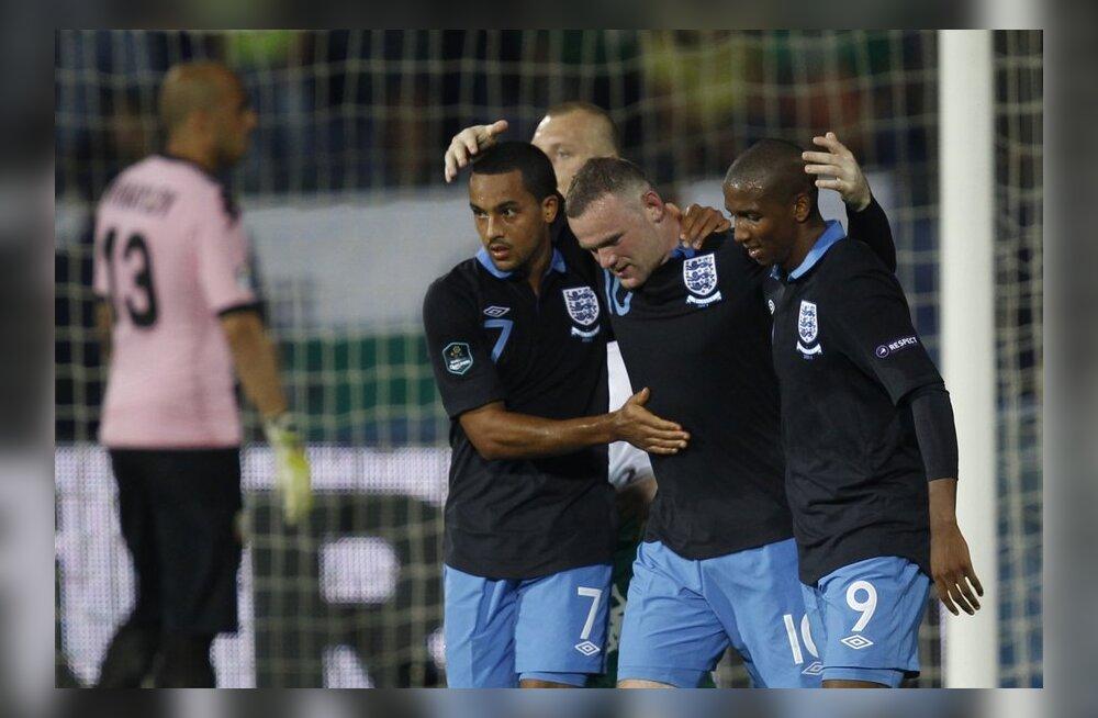 Theo Walcott (vasakul), Wayne Rooney ja Ashley Young