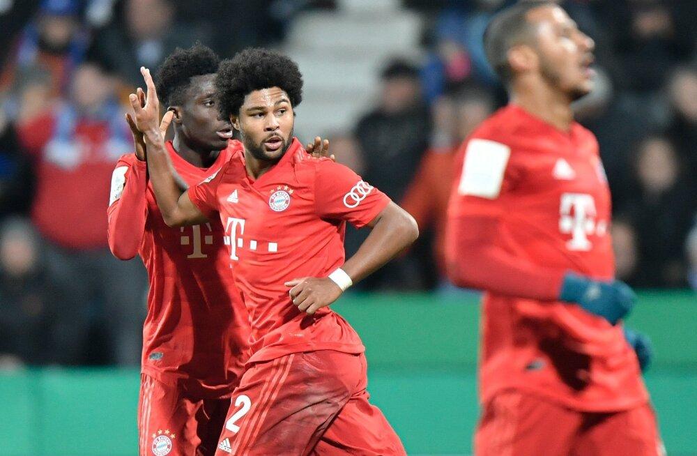 Müncheni Bayerni mängijad väravat tähistamas.