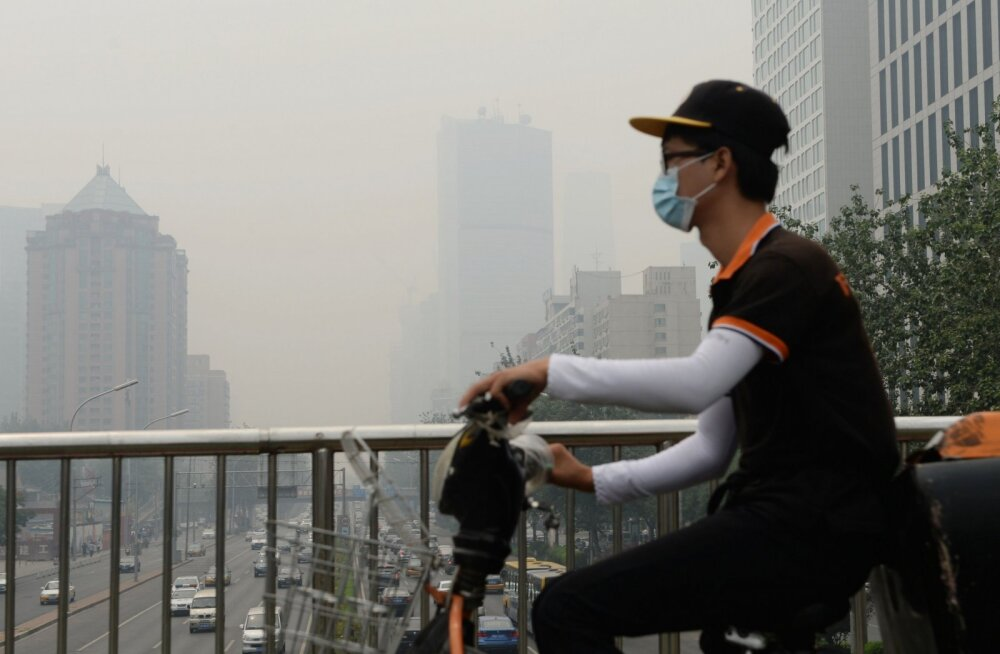 Väga edukas suurlinnas õhu puhastamise nipp Hiina moodi: sõjaväeparaad!