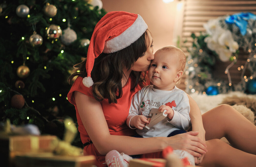 Beebiemme kurdab: miks ükski täiskasvanu ei märka, et ma tahaks ka korragi jõululauas kõhu täis süüa ja juttu rääkida, mitte ainult titat kussutada?